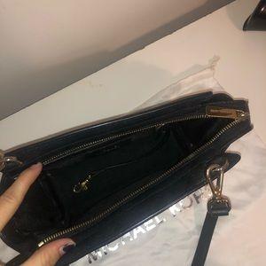 Michael Kors Bags - Michael Kors Medium Selma Messenger